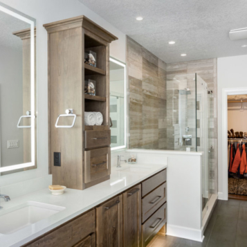 Master Bathroom with adjoining closet (open)